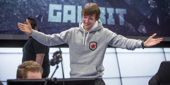 "Danil ""Diamondprox"" Reshetnikov after week four of the LCS. Photo: Riot / Flickr"