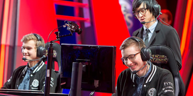 Locodoco with Santorin and Bjergsen in the NA LCS earlier this split. Photo: Riot / Flickr